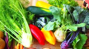 髪の毛と生野菜